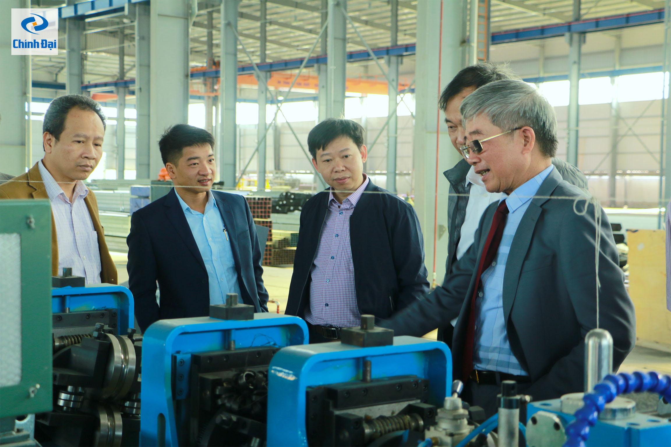 Trường Đại học Kỹ Thuật Công nghiệp Thái Nguyên thăm nhà máy 4.0, nhà máy tiên phong áp dụng các công nghệ, dây chuyền tự động hóa trong sản xuất của Chính Đại